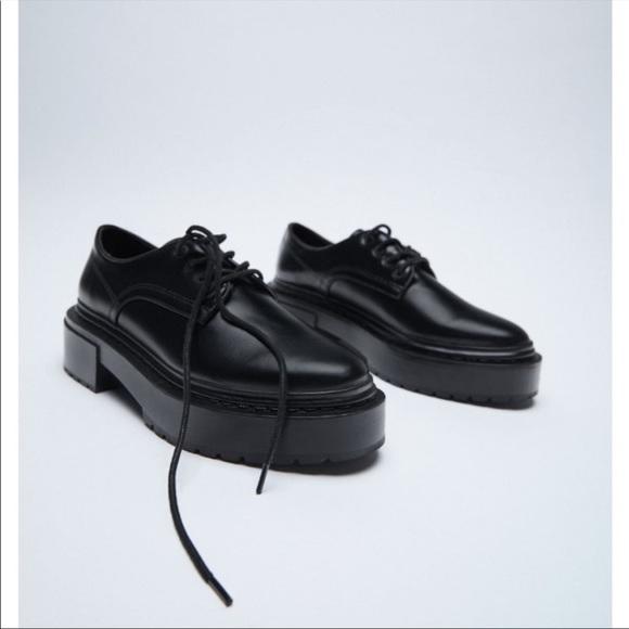 NWT ZARA Low Heeled Lug Sole Derby Lace up Loafer